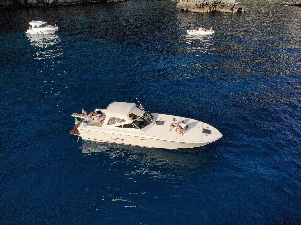 cuor di leone capri gite in barca isole