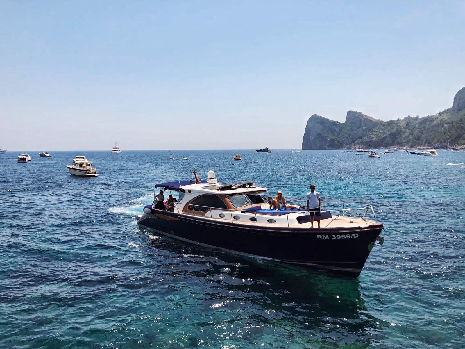 escursioni alle isole di capri yacht lovely touch